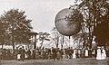 1909 circa Friedrich Astholz Foto Aufstieg des Luftballons Hannover vom Schützenplatz aus.jpg