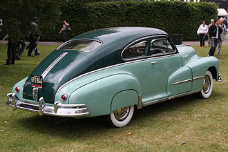 Pontiac Streamliner - 1948 Pontiac Deluxe Streamliner Sedan-Coupe