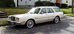 1980 Chrysler LeBaron wagon.jpg
