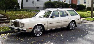 Chrysler M platform - Image: 1980 Chrysler Le Baron wagon