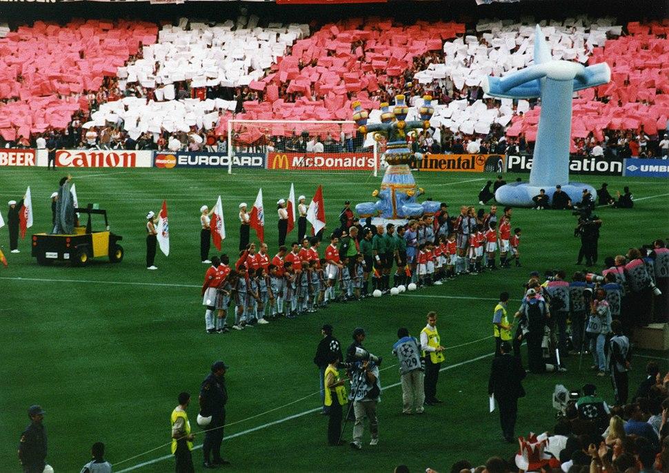 1999 UEFA Champions League Final teams line up