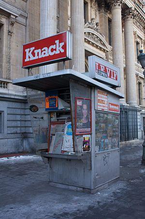 Knack (magazine) - Image: 2009 news kiosk Bruxelles 3188979920