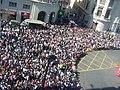 2012 03 16 Molt de públic previ a la mascletada.jpg