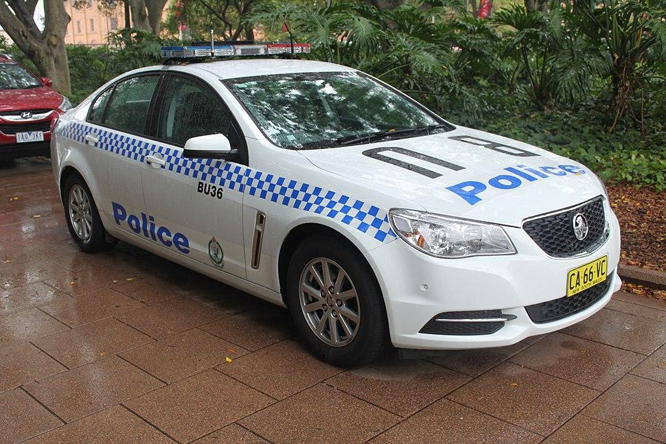2014 Holden Commodore (VF MY14) Evoke sedan, NSW Police Force (16208770659)