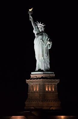 Très Statue de la Liberté — Wikipédia LG59