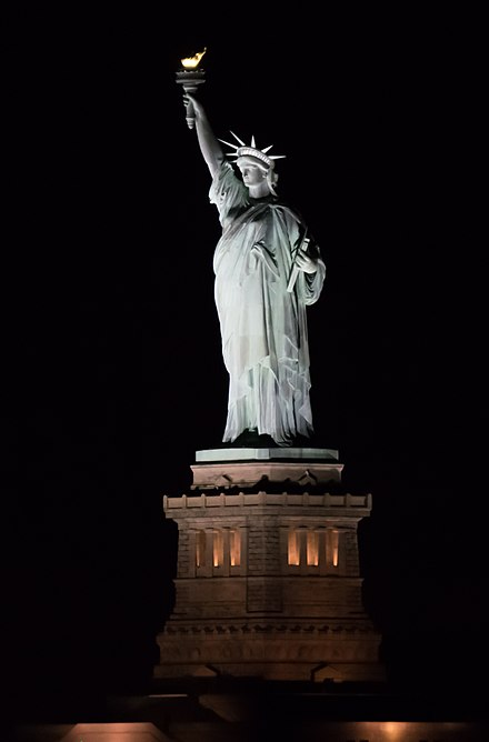 Liberty Enlightening the World 2016-11 Statue of Liberty 02.jpg