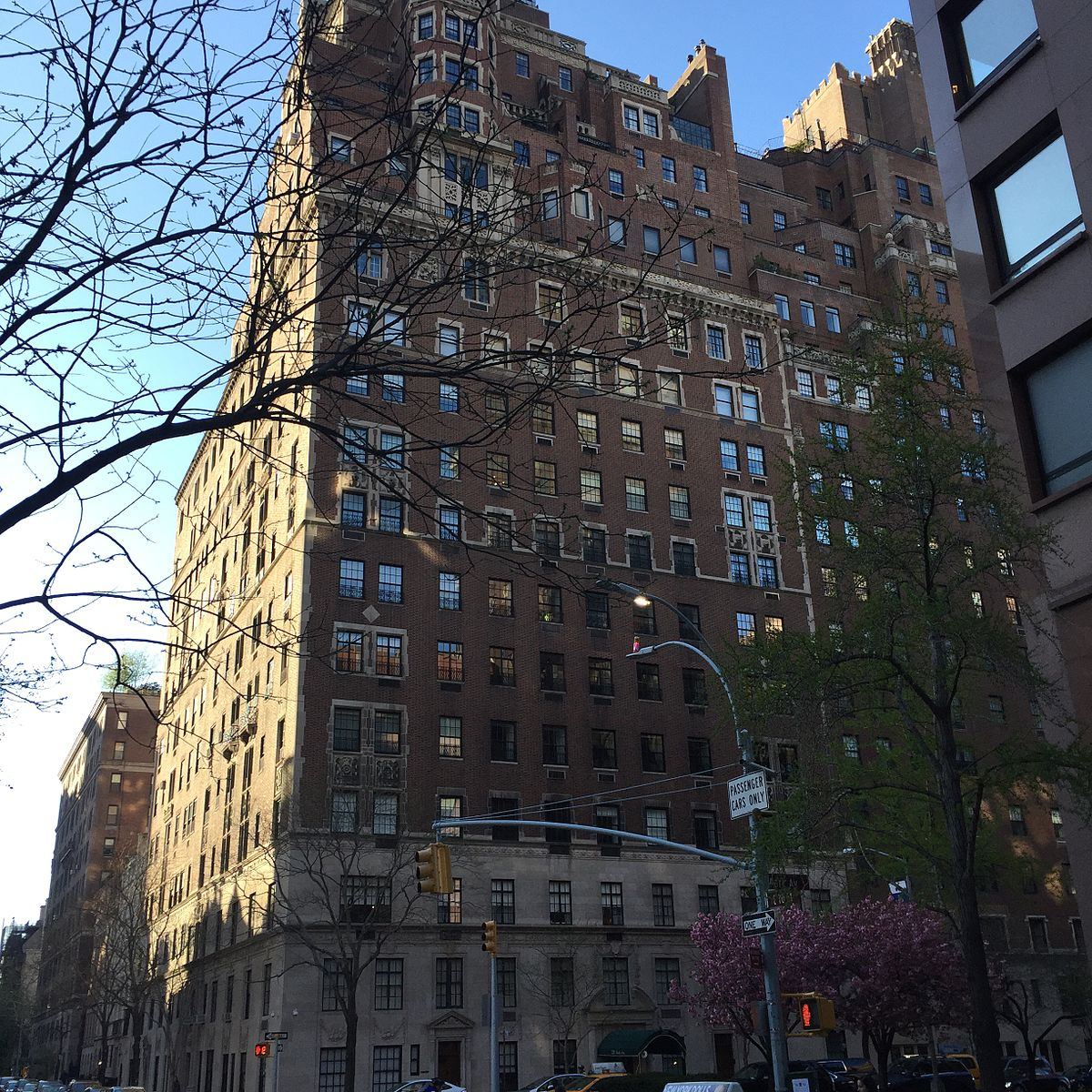 Find Apartment In Nyc: 720 Park Avenue