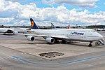 747-8i LUFTHANSA SBGR (35166787795).jpg