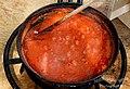 A fuego lento con el tomate previamente pelado y triturado para así hacer una buena conserva de tomate frito y abstenerse a comprarlo en ninguna tienda - panoramio.jpg