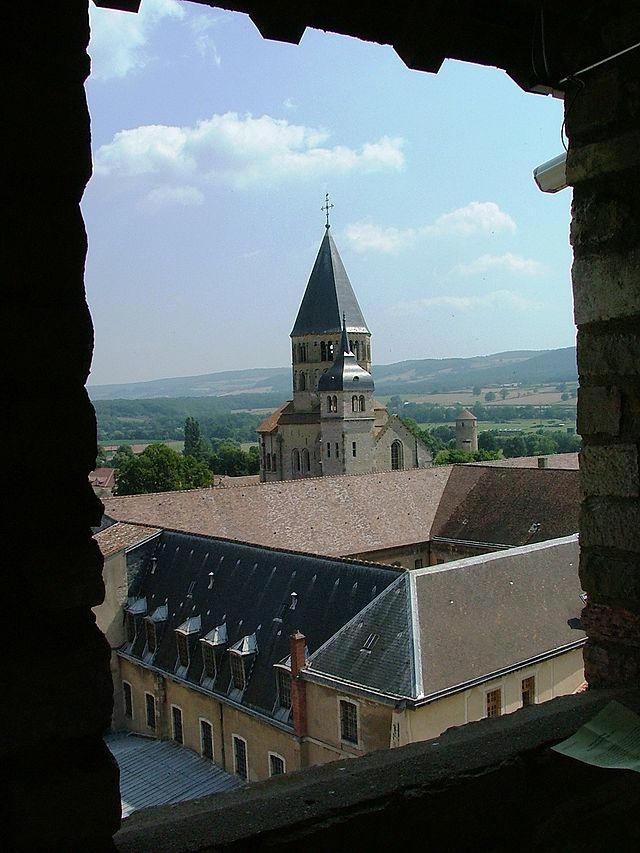 Abbaye de Cluny prise de la tour des Fromages en 2005 / TL Commons wikimédia