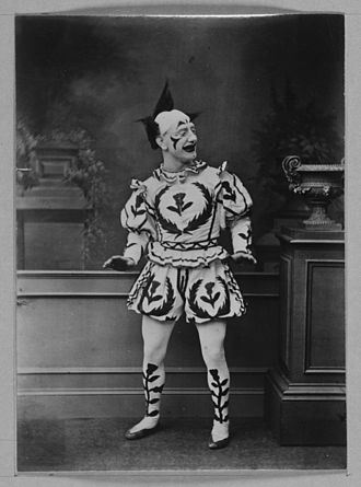 Clown - Image: Actor in clown costume Weir Collection