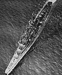 Aerial view of USS San Juan (CL-54) underway, in 1942.jpg