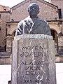 Alcoy - Monumento a Mossèn Josep.jpg