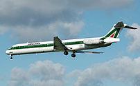 McDonnell Douglas MD-82 landing