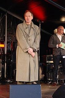 Ambassador Ingvard Havnen holder velkomsttalen til Nordisk kulturnat i København 2012.jpg