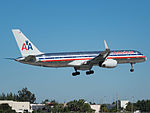 American Airlines Boeing 757-223 (N678AN) at Miami International Airport.jpg