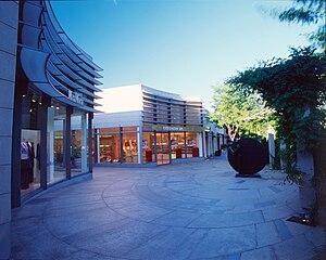 Manhasset, New York - The Americana Manhasset, a mall in Manhasset