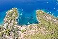 Ankerplatz an der Bucht Zogeria auf Spetses, Griechenland (48760125081).jpg
