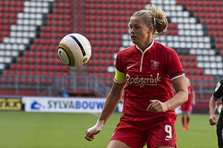 Anouk Dekker association football player