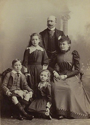 Prince Arthur of Connaught - The Duke and Duchess of Connaught with their children in 1893.