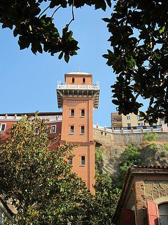 Asansör - Looking at the Asansor from Dario Moreno Street, İzmir