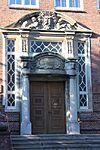 Auguste-Viktoria-Schule, Haus A, Südergraben 34, Hauptportal, Bild 01.JPG