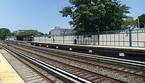 Avenue J - Manhattan bound platform.JPG