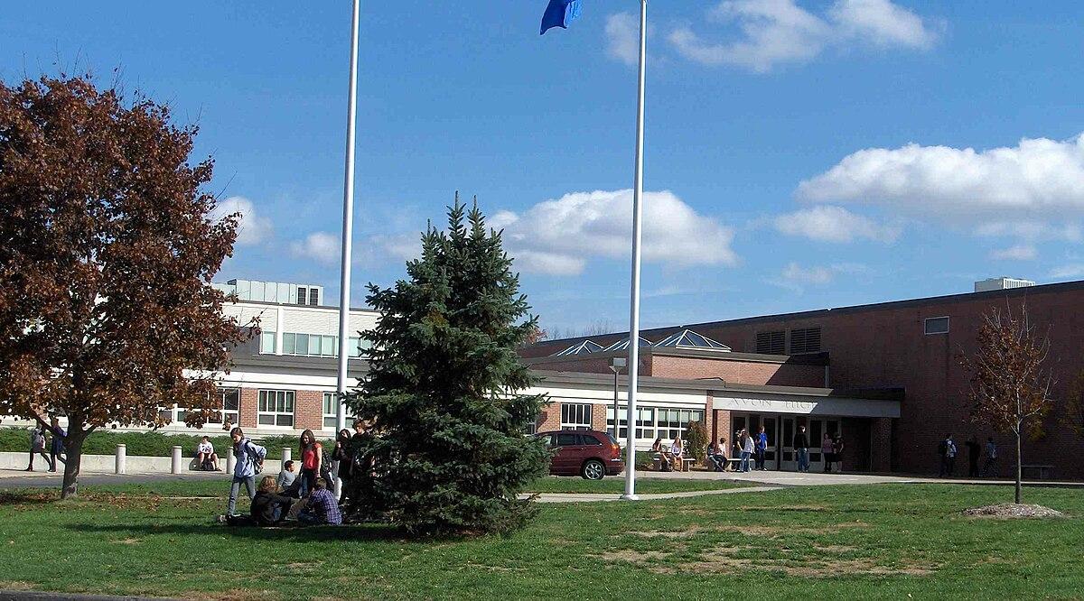 Avon High School (Connecticut) - Wikipedia