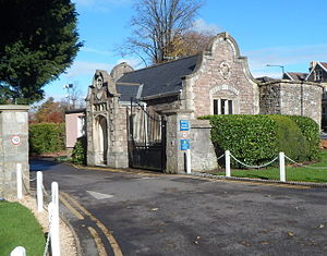 Badminton School - The school lodge and gates