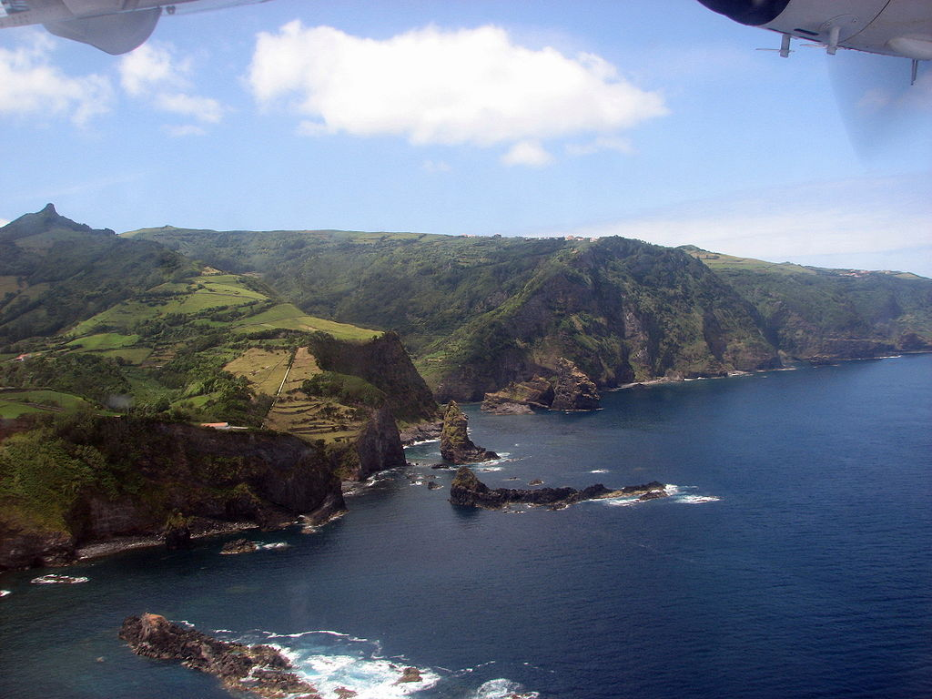 Algoa Bay, the place where the original settlers disembarked and established their colony on the island of Flores, near Cedros