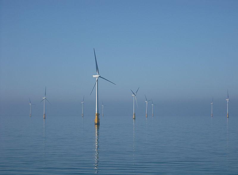 台灣離岸風電將集中在西部海岸,恐衝擊白海豚。圖僅示意用途。為愛爾蘭海上離岸風機。攝影:Andy Dingley(CC BY-SA 3.0)