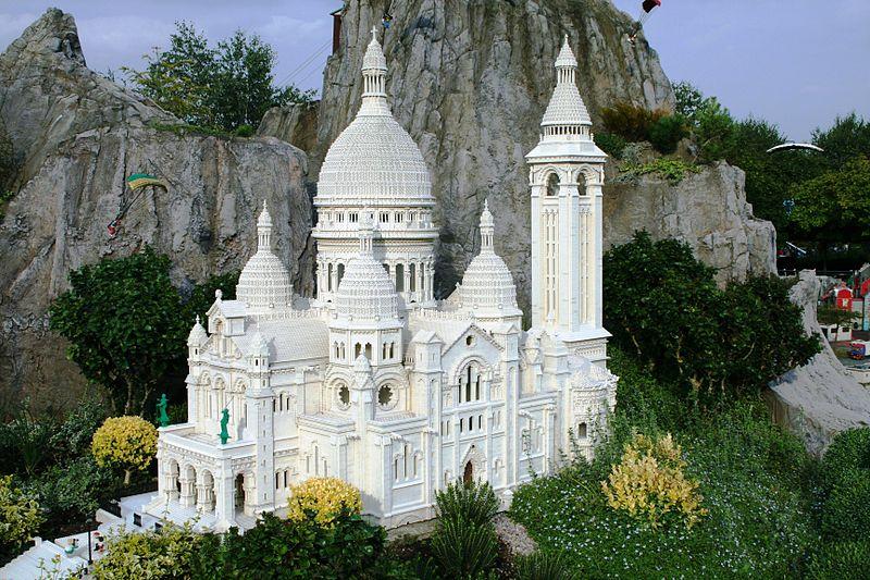 Basilique du Sacre-Coeur Lego Sculpture