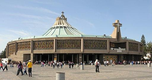Bazilika de Guadalupe 01