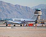 Beechcraft Super King Air 200 N888HT C-N BB444 (4194747110).jpg