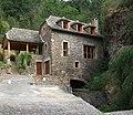 Belcastel (Aveyron) vieille maison.jpg
