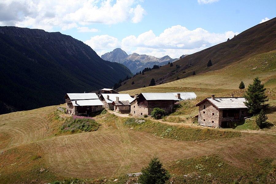 Les bergeries du Bois noir à Ceillac.