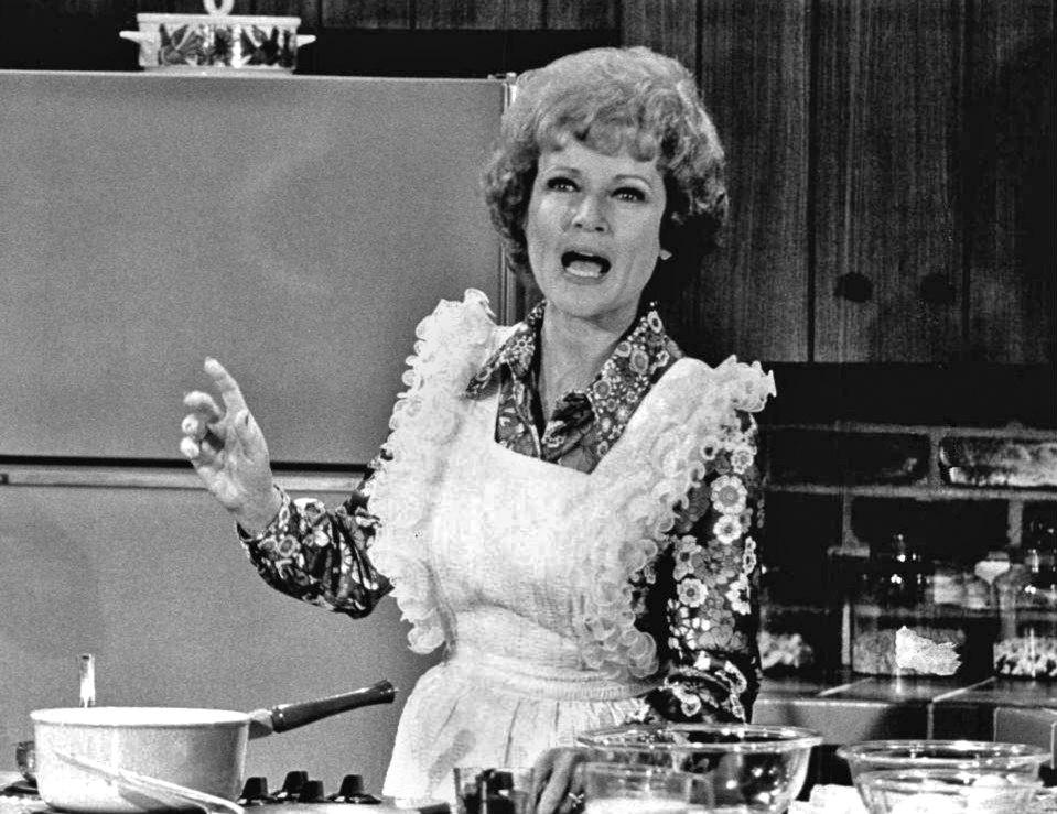 Betty White Sue Ann Nivens 1973