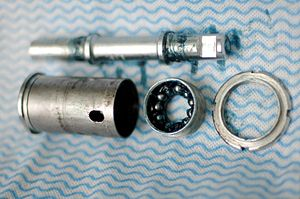 Bottom bracket - Bayliss Wiley unit bottom bracket