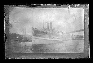Fulton Ferry (ferry) - Big Steamboat Fulton Ferry, Brooklyn, New York, ca. 1885. (5832941003)