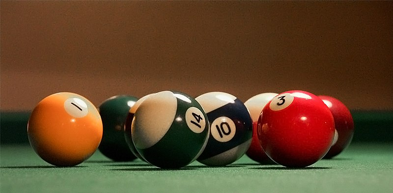File:Billiards balls2.jpg