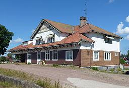 Stationshuset ved jernbanestationen i Björbo.