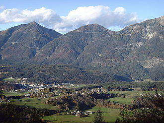 Hermagor-Pressegger See - Hermagor in the Gail valley, view towards the Gailtal Alps