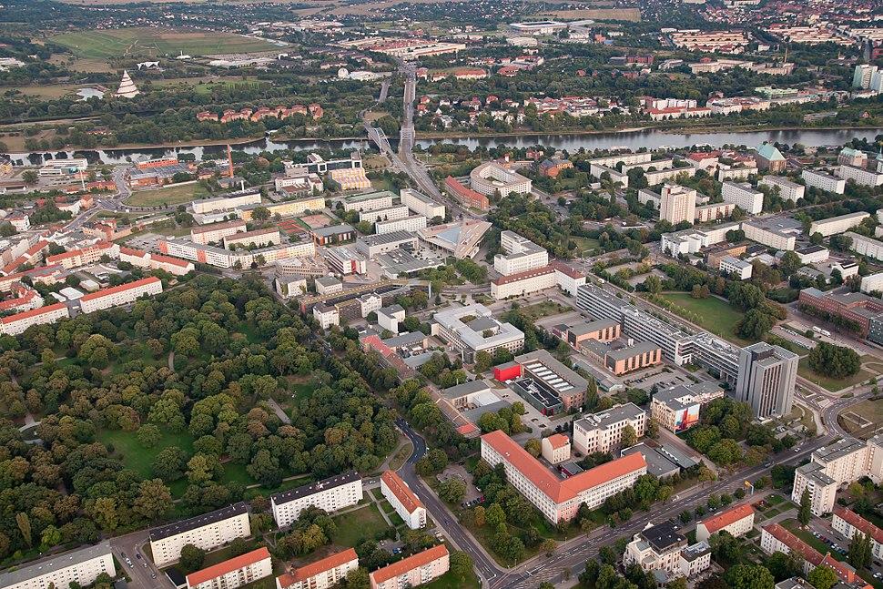 Blick auf die Otto-von-Guericke Universität Magdeburg