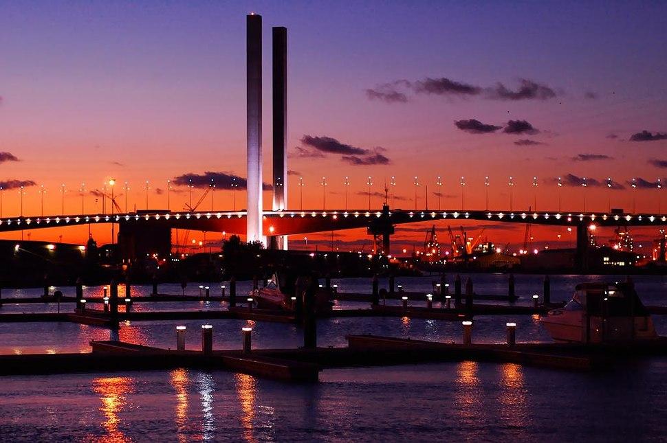 Bolte bridge dusk