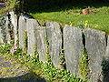 Botmeur. Mur en pierres debout 2.JPG