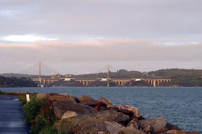 Fichier:Brest - Ponts Albert-Louppe & Iroise.jpg