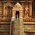 Brihadeeswarar Temple (7554667348).jpg