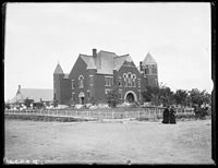 Broken Bow Courthouse ca.1900.jpg