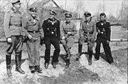 Bundesarchiv Bild 101III-Zschaeckel-197-32, Russland, Waffen-SS-Männer mit Ritterkreuz