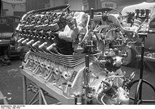 Un motore Maybach usato per spingere i dirigibili Zeppelin.